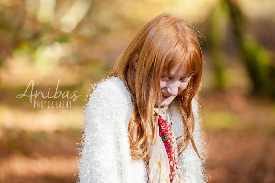 Découvrez la forêt de Saint Sever Calvados pour votre séance photo de famille - Les magnifique couleurs d'automne.