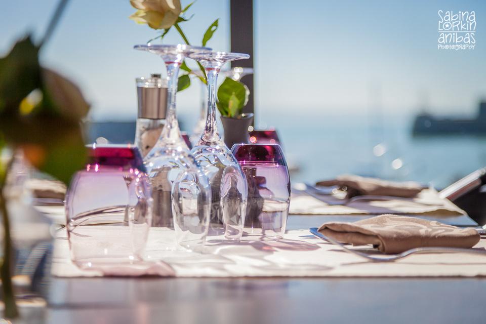 Découvrez le restaurant La Citadelle à Granville, Normandie parmi les photos prises par Sabina Lorkin d'Anibas Photography pour un magazine