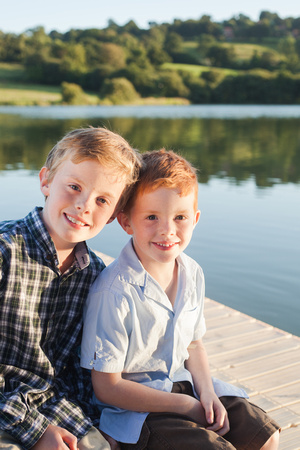fun-photo-session-with-will-and-julies-family-lac-de-la-dathee-9290